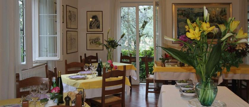 Hotel Degli Olivi Dining Room.jpg